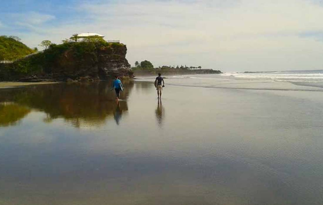 Surfing & Camping in El Cuco